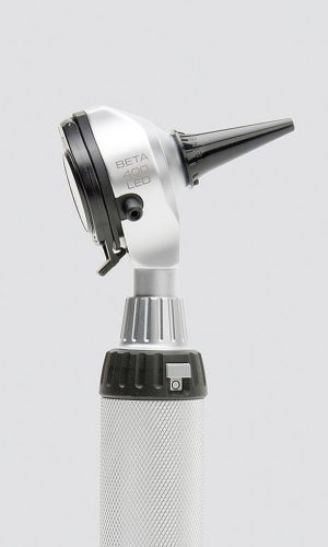The HEINE BETA Otoscope offers 4.2x magnification